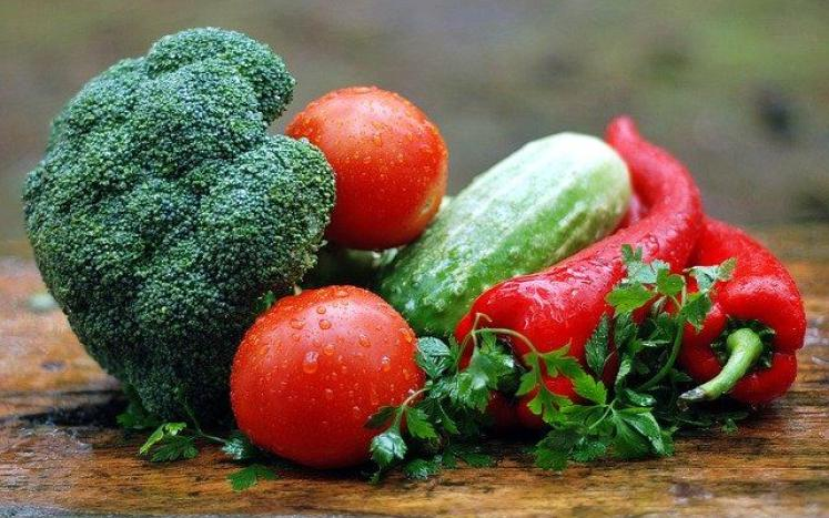 Fresh Broccoli, Tomato, peppers, and celery
